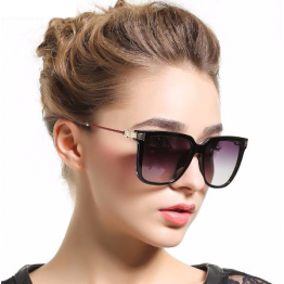 Luxury Designers Classic Fashion Sunglasses For Women Mirror Full UV400 Protection Excellent Quality Hot Seller